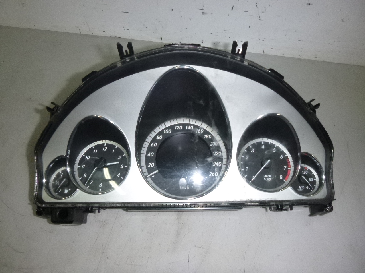 Tacho Kombiinstrument Mercedes Benz E350 3,5 CGI 272.984 A2129004804 DE274189