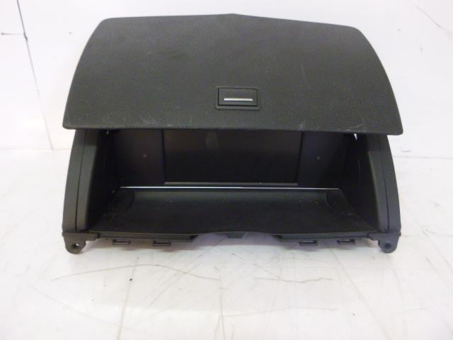 Handschuhfach Mercedes Benz C220 S204 Kombi 2,2 CDI 651.911 A20468012319