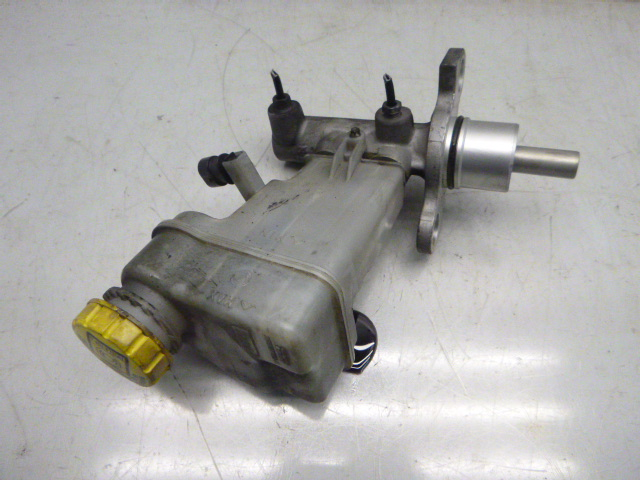 Hauptbremszylinder Alfa Romeo 159 2,4 JTDM Diesel 939A3000 32067799 DE266132