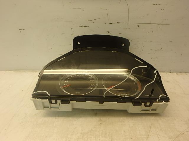 Tacho Kombiinstrument Defekt Volvo BW D5 2,4 Diesel D5244T4 31270367 DE195301