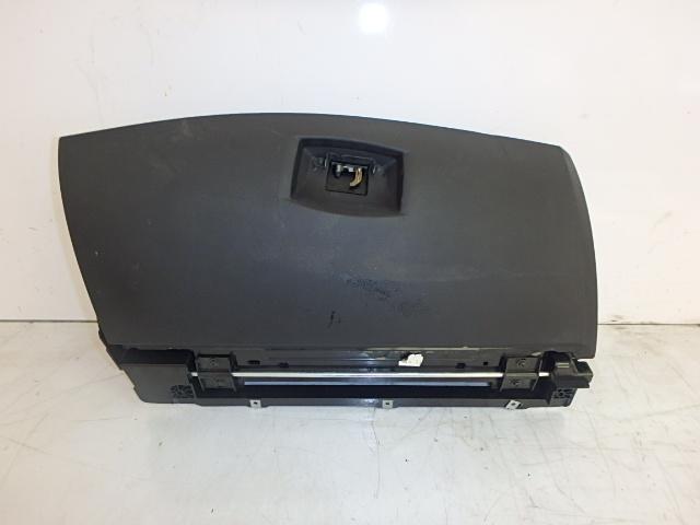 Handschuhfach BMW 5er 520i E60 2,2 Benzin M54B22 226S1 7034080 DE223948