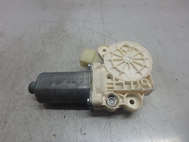 Fensterhebermotor Mercedes Benz E CGI 3,5 Benzin 272.985 A2118202942 DE240413