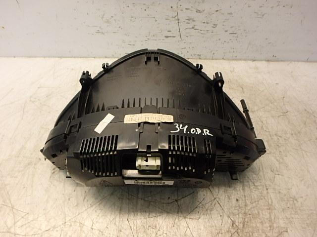 Tacho Kombiinstrument Mercedes Benz CGI 3,5 Benzin 272.985 A2114406311 DE242374